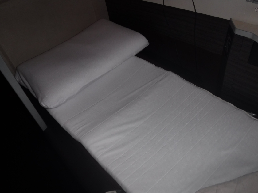 jal-bed-and-cushion